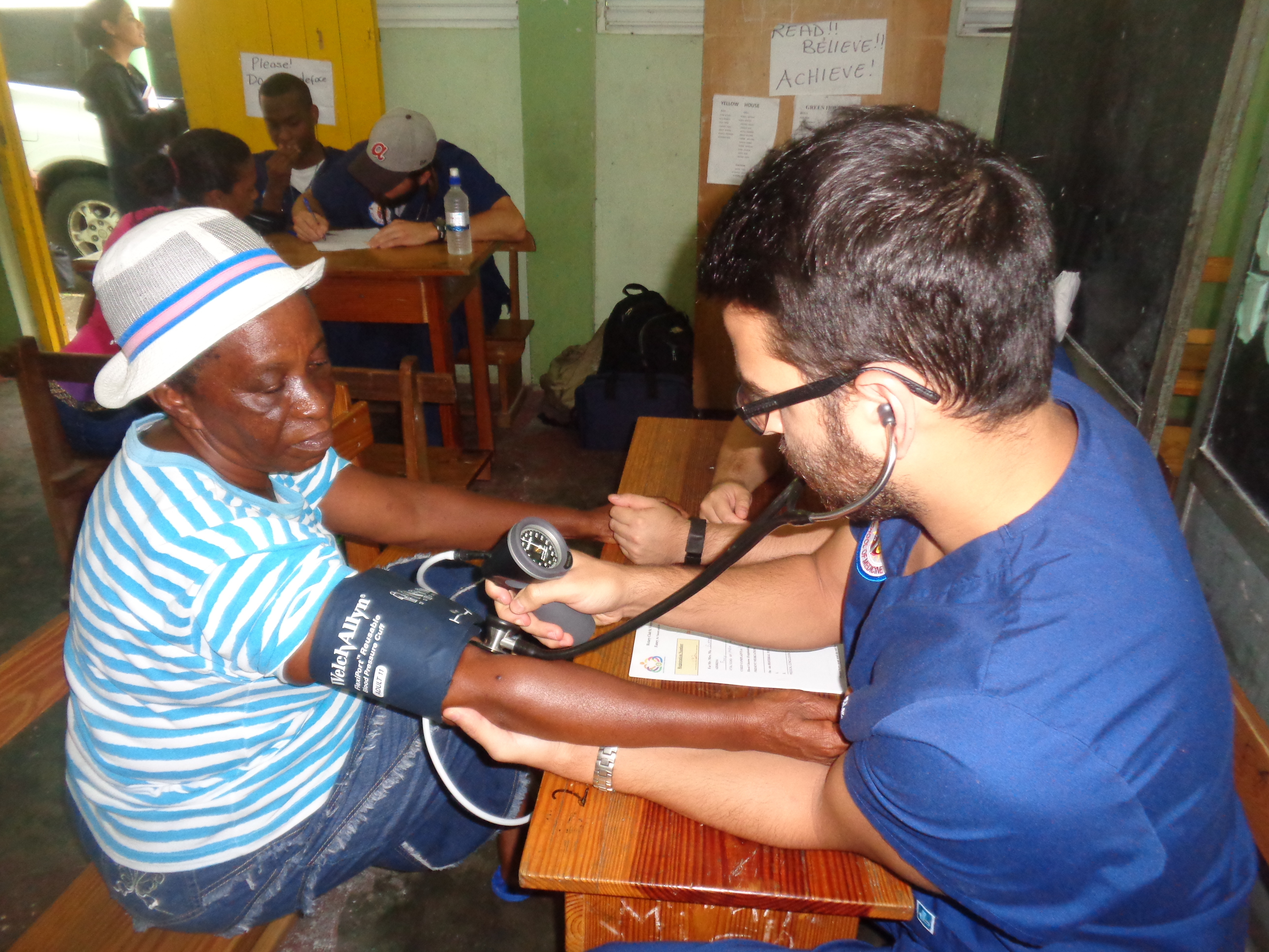 Trinity School of Medicine Students again Join Village Doctor Exercise, Combine Experience with Service